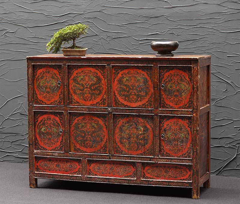altes dekoratives sideboard