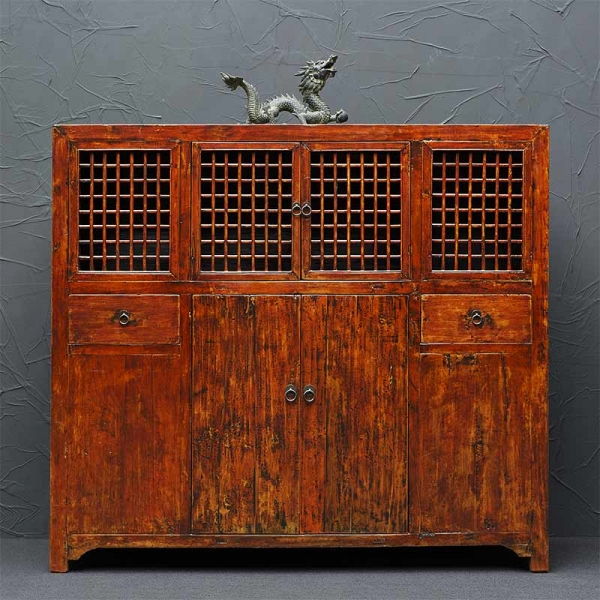 Altes chinesisches Highboard