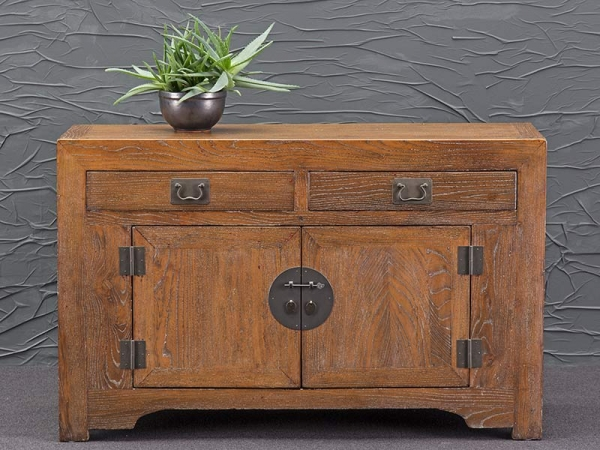 Altes Sideboard aus China naturbelassen